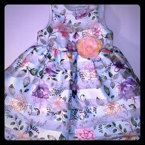 Beautiful floral Pippa & Julie dress, little girls